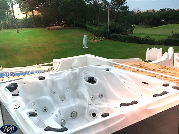 Sunshine Spa Admire installation 3, 2 Pumps, 6 Person, Sound