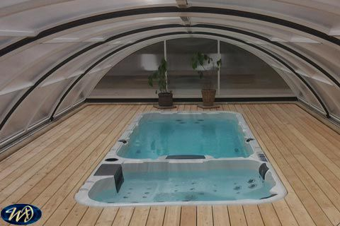 Swimspa Aquatic 3 sunk in enclosed